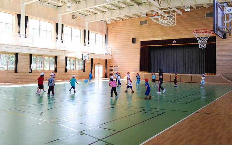 株式会社日興施工事例|青森県 川内小学校 屋内運動場 外観